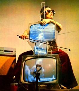 nam-june-paik-tv-cello_ok1__copie